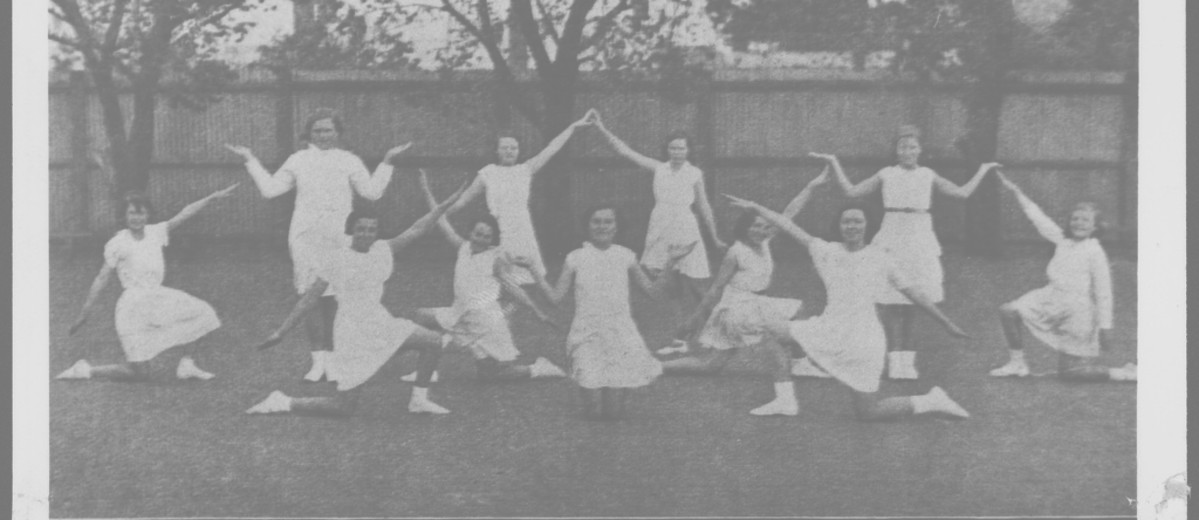 Black and white photograph of girls at Sturt Street Primary School, c. 1935