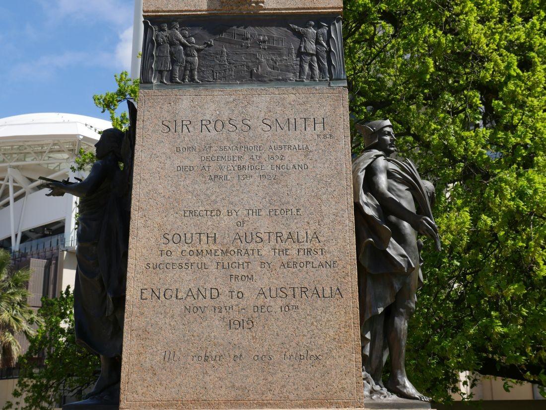 Sir Ross Smith Memorial Adelaidia