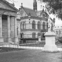 Robert Burns statue, 1937