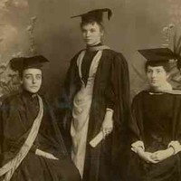 A group of women graduates, all former students of the Advanced School for Girls, c. 1900.