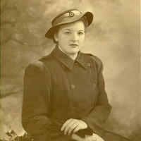 Image: woman in Red Cross uniform