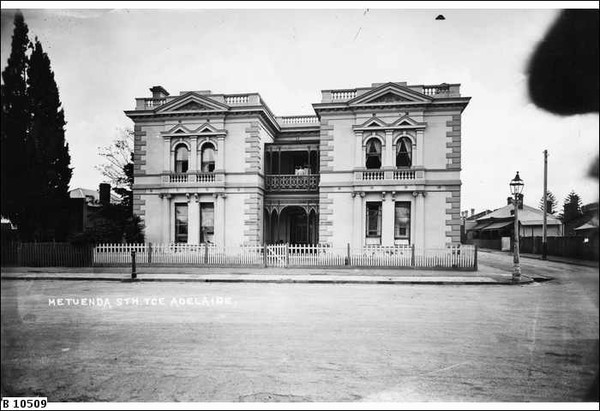 'Metuenda' private residence, South Terrace, west corner Louisa St, c.1900