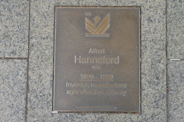 Image: Alfred Hannaford Plaque