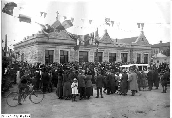 Pulteney Street School (now Pulteney Grammar), South Terrace, 1923