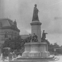 Statue of King Edward VII on North Terrace, showing original placement on roadway, 1920