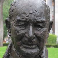 Sir Mellis Napier bust, 2013